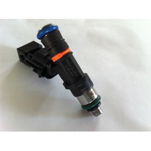 Bosch 610cc injectors c/w adaptors (qty 4)
